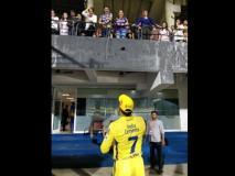 IPL 2019: धोनी और शाहरुख हुए एक ही 'फ्रेम' में कैद, सीएसके vs केकआर मैच की 'अनोखी' तस्वीर हुई वायरल