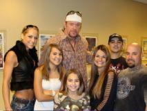 Happy Birthday Undertaker: 3 शादी और 4 बच्चे, ऐसी है मौत के सौदागर अंडरटेकर की पर्सनल लाइफ