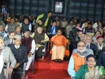 यूपी के मुख्यमंत्री योगी आदित्यनाथ ने देखी 'उरी', ट्वीट करके कुछ इस अंदाज में करी फिल्म की तारीफ