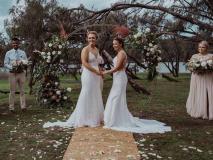 न्यूजीलैंड और ऑस्ट्रेलिया की इन दो महिला क्रिकेटरों ने की शादी, टीम ने दी बधाई, देखें तस्वीरें
