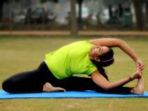 पेट के मोटापे से छुटकारा पाने के लिए रोजाना 2 से 3 मिनट करें ये आसान योगासन