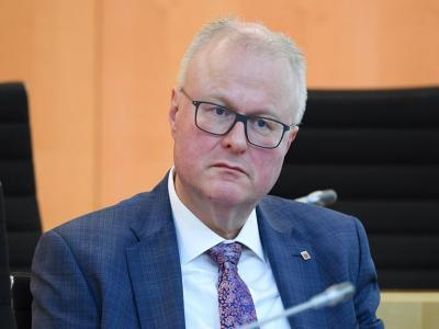 Breaking: जर्मनी के हेसे राज्य के वित्त मंत्री थॉमस शाफर ने की खुदकुशी, Coronavirus से अर्थव्यवस्था को नुकसान की सता रही थी चिंता