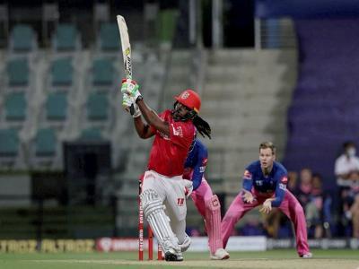 IPL 2021: राजस्थान के खिलाफ 1 छक्का मारते ही इतिहास रच देंगे क्रिस गेल, आईपीएल में अब तक कोई नहीं कर सका है ऐसा - Hindi News | IPL 2021 Chris Gayle needs a solitary six to become the first batsman to hit 350 sixes in IPL | Latest cricket News at Lokmatnews.in