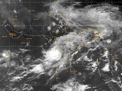 Cyclone Nisarga Live Update: मुंबई एयरपोर्ट पर शाम 7 बजे तक सभी उड़ानों को रोका गया