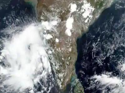 Cyclone Nisarga: चक्रवात निसर्ग मुंबई के आस-पास आज मचा सकता है तबाही, मुकाबले के लिए महाराष्ट्र और गुजरात ने कसी कमर