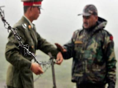 डोनाल्ड ट्रंप के भारत-चीन के बीच मध्यस्थता के ऑफर पर विदेश मंत्रालय ने दिया जवाब, कहा- चीनी पक्ष से चल रही है बातचीत