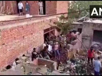 गाजियाबाद में पेंसिल बम बनाने वाली फैक्ट्री में लगी आग, दमकल ने आग पर पाया काबू, 7 लोगों की मौत