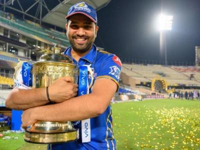 "IPL 2022: मेगा ऑक्शन से पहले आकाश चोपड़ा की बड़ी भविष्यवाणी, मुंबई इंडियंस इन चार खिलाड़ी को कर सकती है रिटेन - Hindi News | IPL 2022: Aakash Chopra's big prediction, ""Mumbai Indians"" can retain these 4 players before Mega Oxen, know who these players are | Latest cricket News at Lokmatnews.in"