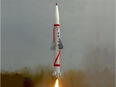 भारत ने सफलता पूर्वक किया दो पृथ्वी बैलिस्टिक मिसाइलों का रात्रि सफल परीक्षण, दुश्मनों के छुड़ाएगी छक्के