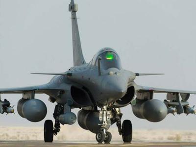 भारतीय वायुसेना को मिले तीन राफेल लड़ाकू विमान, अगले साल मई में आएगी पहली खेप