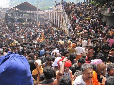 सबरीमाला विवाद: कांग्रेस ने CM विजयन पर साधा निशाना, पुलिस कार्रवाई की तुलना 'आपरेशन ब्लू स्टार' से की