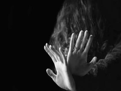 delhi girl 16 abducted sexually assaulted sold by online resuced from madhya pradesh   दिल्ली : सोशल मीडिया पर लड़की को दोस्ती करना पड़ा महंगा, शख्स ने अपहरण कर किया रेप फिर बेचा, जानें पूरा मामला