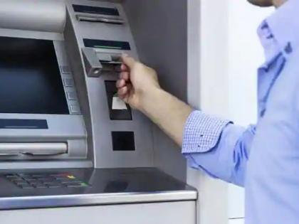 Noida ATM booth cut taken away17 lakh rupeesincident only 50 meters away from police poststation in-charge suspended   नोएडाःएटीएम बूथ काटकर ले गए17 लाख रुपए,पुलिस चौकी से मात्र 50 मीटर की दूरी पर घटना,थाना प्रभारी निलंबित