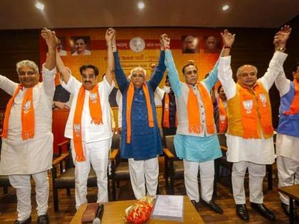 Gujarat CM-elect Bhupendra Patelsworn-in tomorrow September 13 at 2:20 pm Governor Acharya Devvratbjp amit shah gandhinagar | गुजरातःदोपहर 2:20 बजेसीएम पद की शपथ लेंगे भूपेंद्र पटेल, समारोह में शामिल होंगे गृह मंत्री अमित शाह