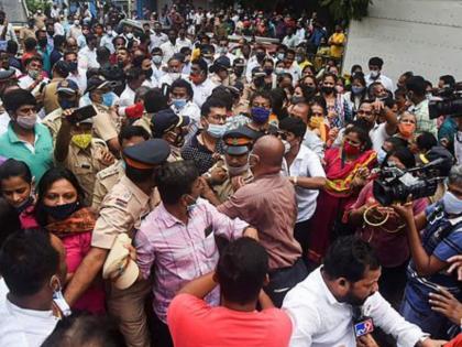 Ram Mandir land dispute Clash Shiv SenaBJP workersMumbai Police registers FIR againstmumbai   राममंदिर जमीन विवादःशिवसेना, भाजपा कार्यकर्ताओं के बीच झड़प,मुंबई पुलिस ने पदाधिकारियों के खिलाफ FIR दर्ज की
