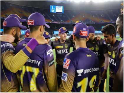 IPL 2021 IPL matches in Delhi in trouble after CSK bowling coach L Balaji tests positive inside bubble | IPL 2021 : दिल्ली में होने वाले मैचों पर संकट के बादल, फैंस उठा रहे आईपीएल को स्थगित करने की मांग