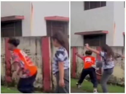 viral video of boy who teaches dance step girl see what happen next | डांस मास्टर बनकर लड़की को स्टेप सिखा रहा था लड़का, फिर हुआ कुछ ऐसा मुंह के बल गिरा, वीडियो वायरल