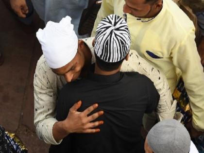 Eid al Adha Bakrid 2021 Uttar Pradesh govt guideline amid covid 19 know all detail | यूपी में बकरीद पर योगी सरकार ने जारी की है गाइडलाइंस, 50 से ज्यादा लोगों के इकट्ठा होने पर रोक, जानें डिटेल