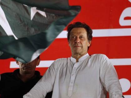 Pakistan onepeon post 15 lakh people applied Imran Khan unemployment rate at the highest level | पाकिस्तान में एक चपरासी पद के लिए 15 लाख लोगों ने किया आवेदन,बेरोजगारी दर सबसे उच्चतम स्तर पर