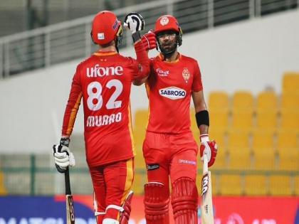 Islamabad United beat Peshawar Zalmi by 15 runs Usman Khawaja became hero | PSL 2021: टी-20 मैच में रनों की बारिश, बल्लेबाजों ने जड़े 45 चौके-25 छक्के, बने 479 रन लेकिन फिर भी...