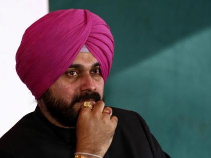 punjab congressOctober 14 Navjot Singh Sidhu meetKC Venugopal andHarish Rawat   पंजाब कांग्रेसः कलकेसी वेणुगोपाल और हरीश रावत से मुलाकात करेंगेनवजोत सिंह सिद्धू, इस्तीफा वापस लेंगे!