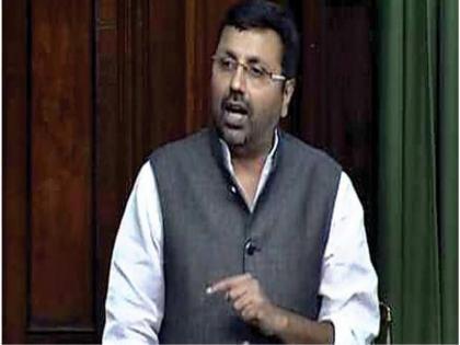 BJP MP Nishikant Dubey alleges being called 'Bihari Gunda'Trinamool's Mahua Moitra denies charges | टीएमसी एमपी महुआ मोइत्रा ने'बिहारी गुंडा' कहकर पुकारा, भाजपा सांसद निशिकांत दुबे का आरोप