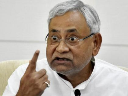 Bihar CM Nitish Kumar statement on Lalu yadav family, said - some people are in and some people will go in, there is no choice | बिहार के सीएम नीतीश कुमार का लालू परिवार पर हमला, कहा- कुछ लोग अंदर हैं और कुछ लोग अंदर जायेंगे, कोई चारा नहीं है