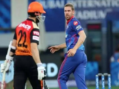 Anrich Nortje fastest ball in IPL 2021 Aakash Chopra says challan kato, Twitter reaction   IPL 2021: बॉलर ने डाली इस सीजन की सबसे तेज गेंद, टॉप-8 लिस्ट में केवल इसी गेंदबाज का नाम, आकाश चोपड़ा बोले- 'चालान काटो'