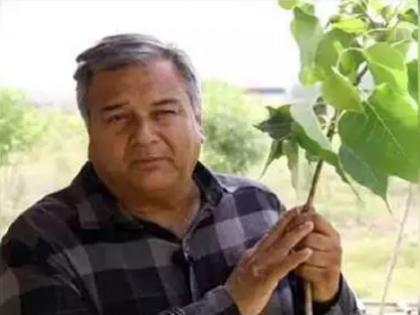 Peepal Baba's 'tree plantation campaign' continues amid Corona crisis   कोरोना संकट के बीच पीपल बाबा का 'पेड़ लगाओ अभियान' जारी