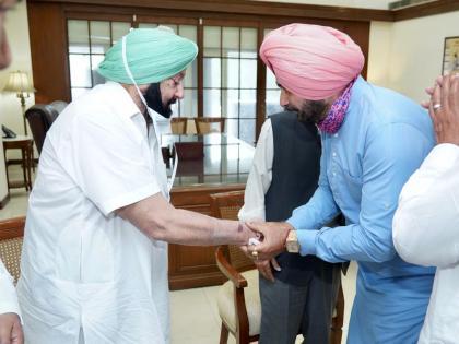 Punjab CongressNavjot Singh Sidhu meets CM Amarinder Singhdemands action on five major issues   पंजाब कांग्रेसः सीएमअमरिंदर सिंह से मिलेनवजोत सिंह सिद्धू,पांच प्रमुख मुद्दों पर कार्रवाई की मांग, जानें मुद्दे