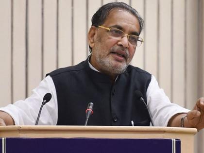 UP BJP in charge Radha Mohan Singh meeting Governor Anandiben Patelgovt & organisation are working good   यूपीः राज्यपाल आनंदीबेन पटेल से मिले भाजपाप्रदेश प्रभारी राधा मोहन सिंह,नेतृत्व परिवर्तन पर कहा-ऐसा कुछ नहीं है