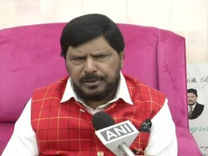 Union Minister Ramdas Athawale saidUddhav government will fall after a few days mumba bjp ncp congress | केंद्रीय मंत्री रामदास आठवले ने कहा- कुछ दिनों बाद गिर जाएगीउद्धव सरकार, जानें कारण