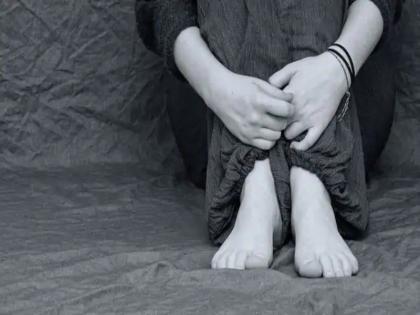 kochi raped impregnated by youth minor girl gives birth in hospital toilet flushes down premature baby   कोच्चि : नाबालिग लड़की के साथ हुआ दुष्कर्म, समय से पहले बच्चे को दिया जन्म फिर अस्पताल के वॉशरूम में ....