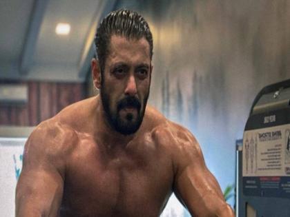 salman khan films radhe : your most wanted bhai might be postponed to next eid 2022 due to covid cases and lockdown | सलमान खान की फिल्म 'राधे' की रिलीज पर फिर कोरोना साया, नहीं तो अगली ईद पर रिलीज...