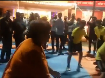 bail on medical grounds bjp mp-pragya-thakur-plays-kabaddi | मेडिकल आधार पर जमानत पर बाहर प्रज्ञा ठाकुर गरबा डांस के बाद कबड्डी खेलती नजर आईं