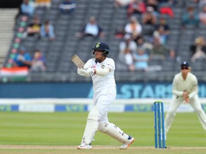 17-year old Shefali Verma history debut Test half-centuryboth inningsIndia's first player congratulations | 17 साल की शेफालीवर्मा ने रचा इतिहास,डेब्यू टेस्ट कीदोनों पारियों में अर्धशतक, भारत की पहली खिलाड़ी, सोशल मीडिया पर बधाई