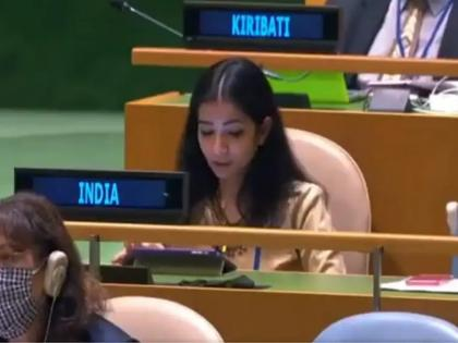 Know about India's first secretary sneha dubey who gave a befitting reply to imran Khan in unga regarding terrorism | जानिए Sneha Dubey के बारे में जिन्होंने आतंकवाद पर UNGA में इमरान खान को दिया मुंहतोड़ जवाब