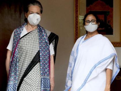 Congress interim president Sonia Gandhi West Bengal CM Mamata Banerjee meet at 10 Janpath | सोनिया गांधी से मिलीं ममता बनर्जी, राहुलगांधी भी रहे मौजूद,कई मुद्दे पर चर्चा