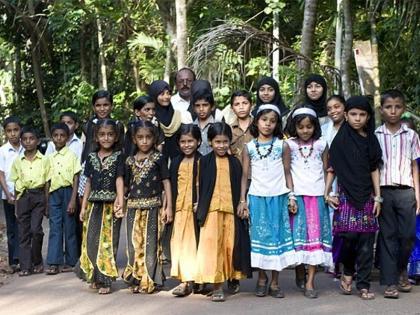 There are more than 200 twins in kerala village scientist told the reason   इस गांव में हैं 200 से ज्यादा जुड़वा, अभी भी बढ़ रही तादाद, वैज्ञानिक ने बताया कारण