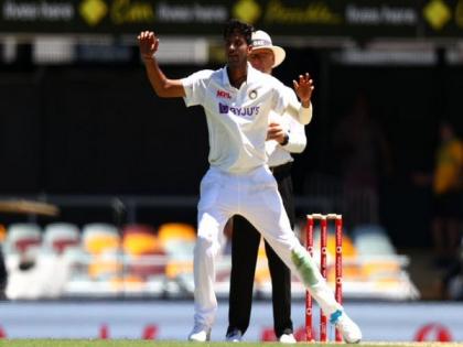 ENG vs IND 2021Washington Sundar ruled out for 6 weeks with finger injury Shubman Gill and Avesh Khan virat kohli | इंग्लैंड दौरे पर भारतीय टीमःशुभमन गिल और आवेश खान के बाद वाशिंगटनसुंदर चोटिल, सीरीज से बाहर, विराट कोहली को झटका