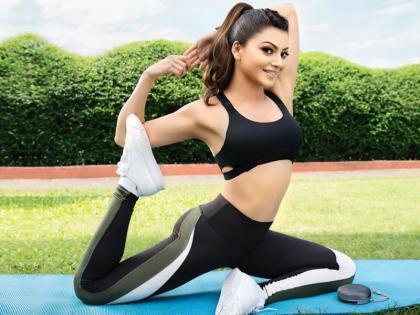 International Yoga Day 2021: 8 easy yoga poses for weight loss fast   International Yoga Day 2021: लॉकडाउन का मोटापा कम करने के लिए करें ये 8 योगासन
