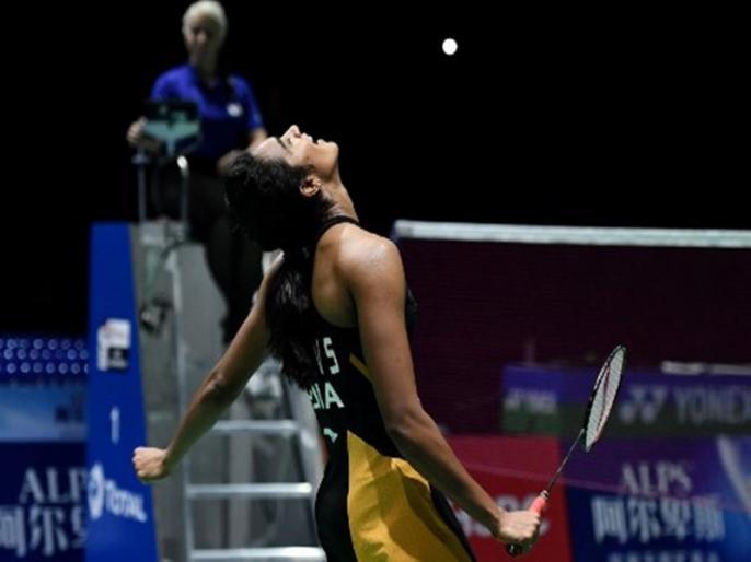 World Badminton Championships 2019, finals: PV Sindhu beats Nozomi Okuhara 21-7, 21-7 to win gold | पीवी सिंधु ने रच दिया इतिहास, विश्व बैडमिंटन चैंपियनशिप में भारत के लिए जीता पहला गोल्ड