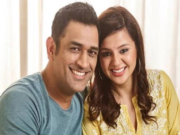 MS Dhoni's 10th Wedding Anniversary: Chennai Super Kings share video   शादी के बंधन में महेंद्र सिंह धोनी-साक्षी के 10 साल पूरे, चेन्नई सुपर किंग्स ने खास अंदाज में दी बधाई