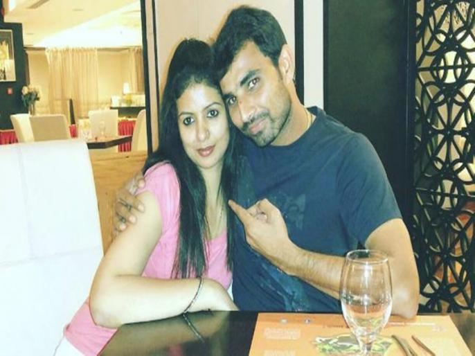 Yuzvendra Chahal LIVE Instagram Chat With Mohammed Shami | मोहम्मद शमी ने किया लाइव वीडियो चैट, कहा- अब तो 'गर्लफ्रेंड' से विश्वास उठ गया...