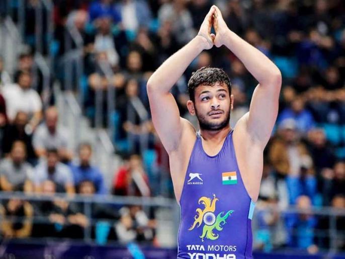Indian wrestler Deepak Poonia Corona report negetive | पहलवान दीपक पूनिया को हॉस्पिटल से छुट्टी, घर में पृथक रहने की सलाह