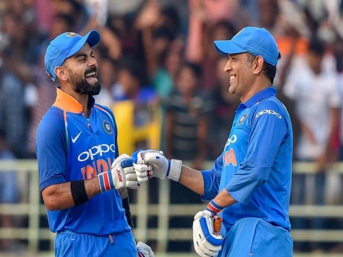 Large part of me becoming captain has to do with Dhoni observing me: Kohli   कप्तान बनने में धोनी ने की विराट की मदद, खुद कोहली ने कर दिया खुलासा