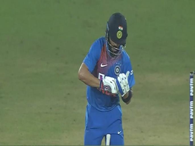 India vs West Indies: Amitabh Bachchan congratulate virat kohli | IND vs WI: 'नोटबुक सेलीब्रेशन' पर अमिताभ बच्चन का ट्वीट- विराट को मत छेड़, मत छेड़, मत छेड़