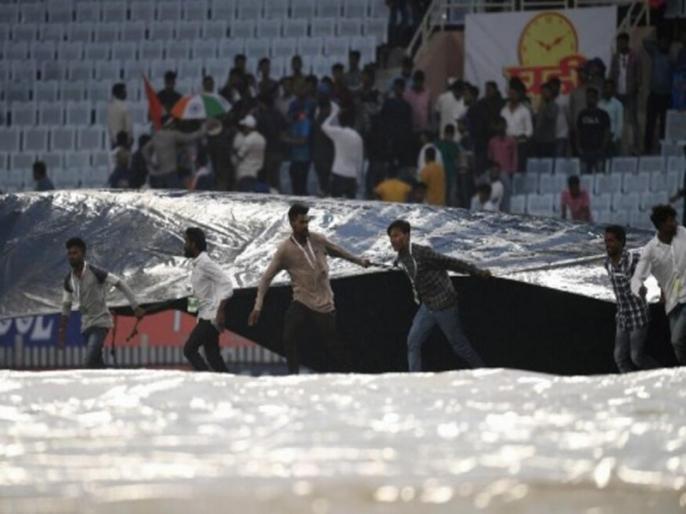 India vs South Africa, 3rd Test: Rain Forecast for Second Day of Ranchi Test | IND vs SA: तीसरे टेस्ट को लेकर बुरी खबर, दूसरे दिन भी बारिश के चलते रुक सकता है खेल