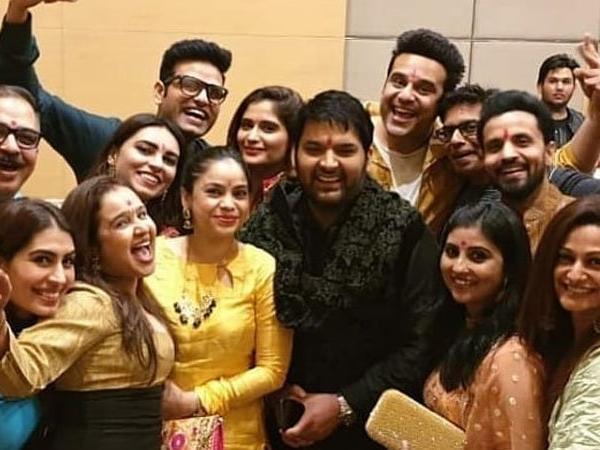 krishna abhishek and sumona chakraborty seen together before kapil sharma's wedding | कपिल शर्मा की शादी: कृष्णा अभिषेक समेत छोटे पर्दे के सितारे पहुंचे कपिल के घर, जमकर किया धमाल