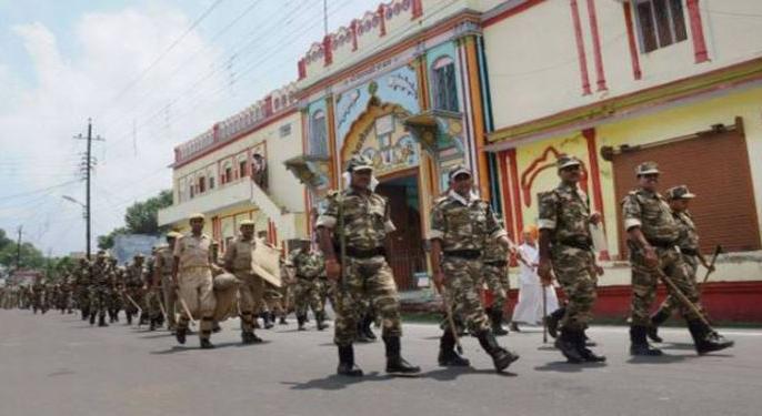 Ramjanmabhoomi Babri Masjid: Ram's city transformed into Ayodhya cantonment, police surveillance from ground to sky | रामजन्म भूमि बाबरी मस्जिदःराम की नगरी अयोध्या छावनी में तब्दील,जमीन से आसमान तक पुलिस निगरानी